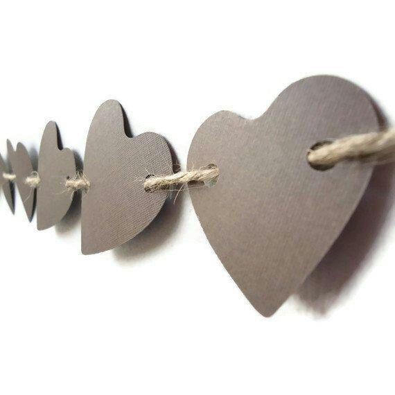 Herzgirlande - besonders schön weil unterschiedlich angebracht....