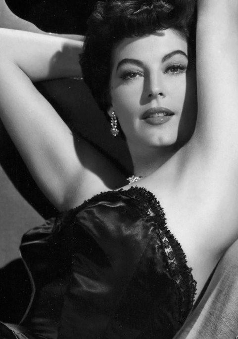 """gatabella: In London one journalist, greeted by Ava on her arrival one evening, seemed all but sexually undone by the brief encounter:""""Her perfume - a cloud of it, exotic, French - sent me into raptures!""""- from Ava's bio by Lee Server"""