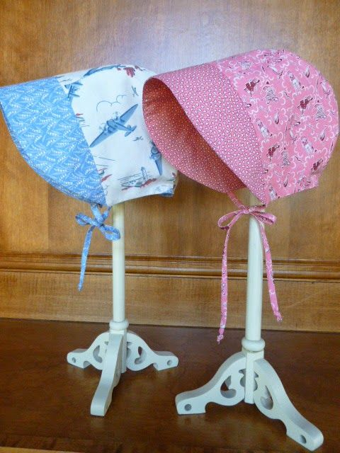 A great little free sun bonnet pattern from The Purl Bee. Sized for babies 0-24 months.