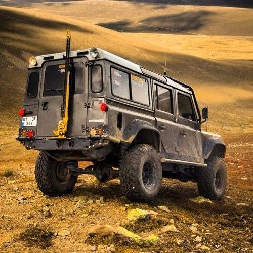 Land Rover Discovery Off Road Accessories: Land Rover Defender. Via 500px