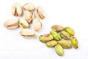 """Pistacchi proprietà e beneficiIn Cina i pistacchi vengono anche chiamati """" il seme felice """", mentre in Iran vengono chiamati """" il seme che sorride """". Il pistacchio è uno dei due semi con guscio che vengono nominati nella Bibbia."""