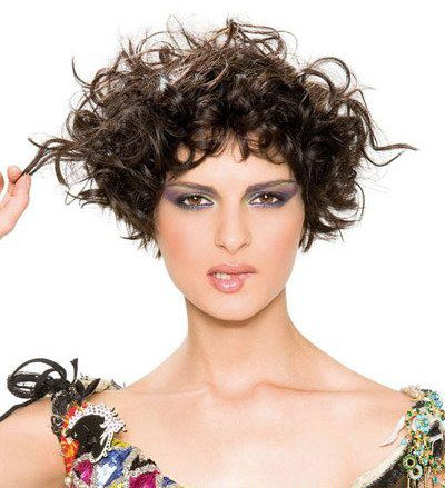 Trendy Messy Curls Haircut with Short Length Hair for Women
