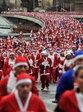 英リバプールのサンタ・マラソン: AFPBB News