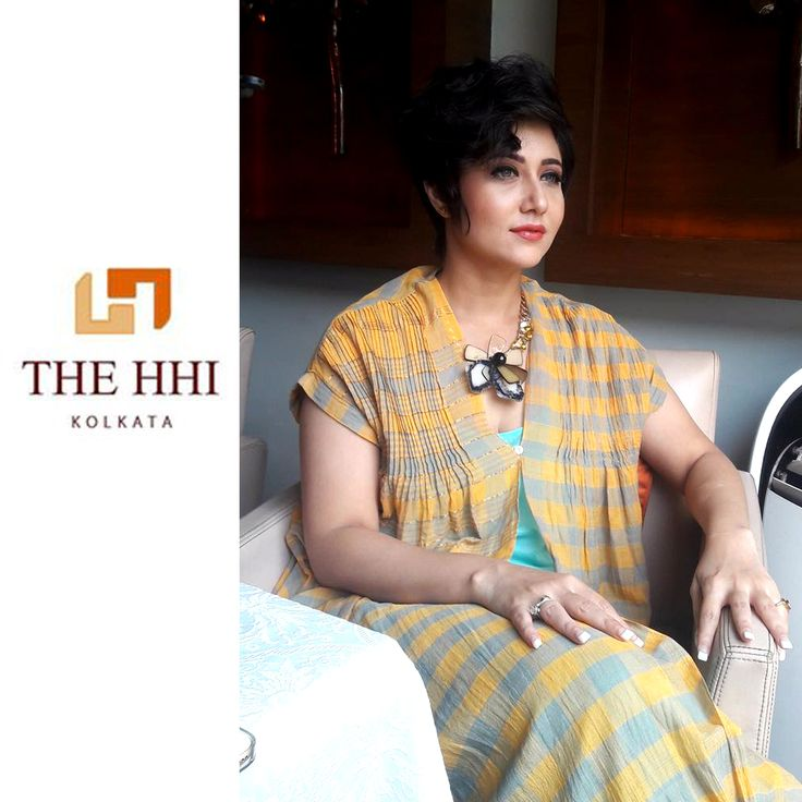 Glamorous Swastika Mukherjee indulges in sheer ecstasy while she spends some wonderful moments with us. We are glad to greet her at Mythh and wish her success for the upcoming movie 'Shaheb Bibi Golam', a suspense thriller depicting the story of a contract killer, a housewife and a taxi driver.  #SwastikaMukherjee #ShahebBibiGolam #Tollywood #Thriller #Movie #Mythh #HHIKolkata #Kolkata