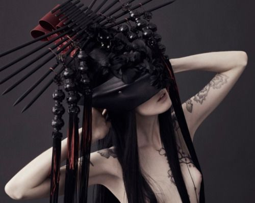 .: Louis Bruun, Fashion, Black White, Costumes Design, Tattoo Design, Headdress Inspiration, Søren Bach, Headpieces, Geisha Makeup