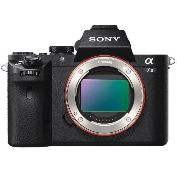 #Sony Alpha 7 II E-bajonettes #fényképezőgép Full Frame érzékelővel  Mostantól teljes körűen kifejezheti a gondolatait a Full Frame minőség és a csúcstechnológiájú kamerarázkódási-kompenzáció révén, amely az objektívek széles körével kompatibilis.   Búcsút mondhat a rázkódás öt típusának! Az 5 tengelyes képstabilizálás segítségével tisztább képet kap nagyítás, közeli felvételek, illetve éjszakai felvételek készítése közben. A kompenzáció 4,5 lépéssel gyorsabb záridő használatának felel meg.