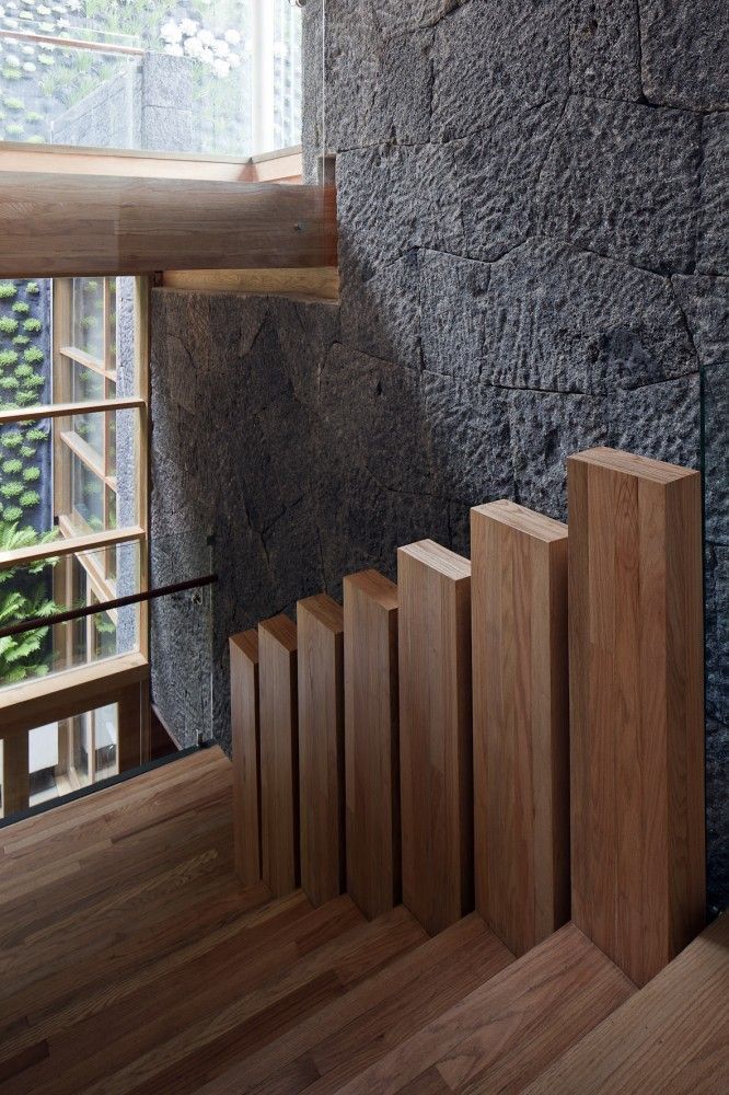 love these stairs .... Zamora 63 / TAE Arquitectos  #wood #details