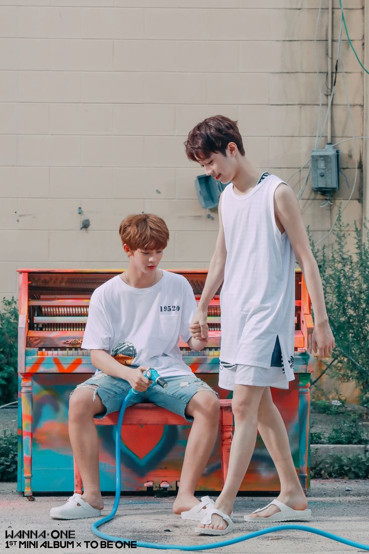 Wanna One 배진영 (Bae JinYoung) 라이관린 (Lai KuanLin)