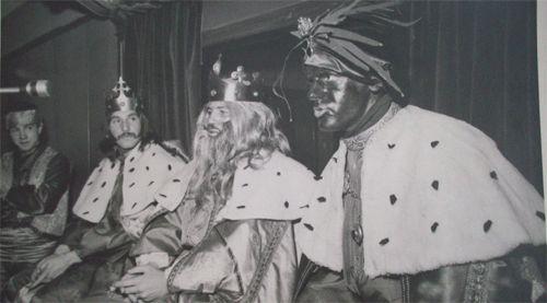 Aquellas cabalgatas de los años 70 con los ReyesMagos con pelucas y barbas postizas y en las que Baltasar era un señor pintado de betún.