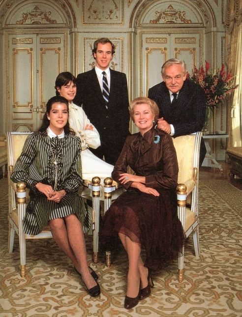 The Princely Family of Monaco — Portrait by Howell Conant. 1980. PHOTO 10 NOTES Dec 15 11:41AM Tagged PRINCESS GRACE PRINCE RAINIER PRINCESS CAROLINE PRINCE ALBERT PRINCESS STEPHANIE HOWELL CONANT 1980