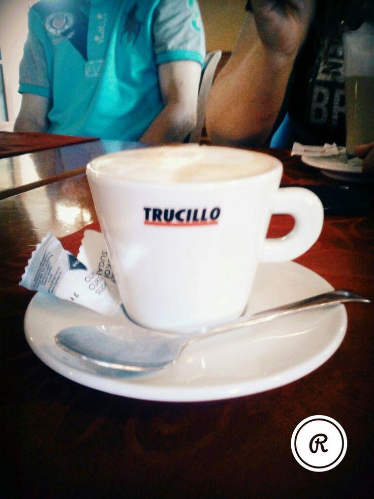 Káva běž kofeinu
