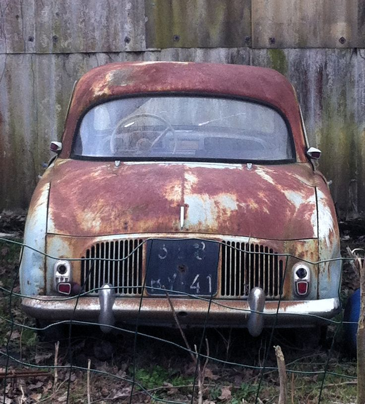 pave de voiture automobiles cars epave urbex renault dauphine pinterest automobile. Black Bedroom Furniture Sets. Home Design Ideas