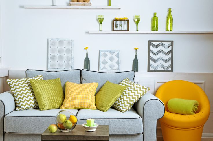 Salon z sofą i fotelem