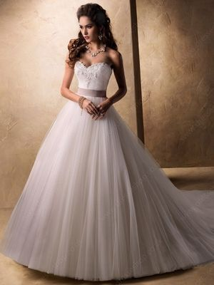 Ball Gown Sweetheart Tulle Court Train Lace Wedding Dresses -£219.39