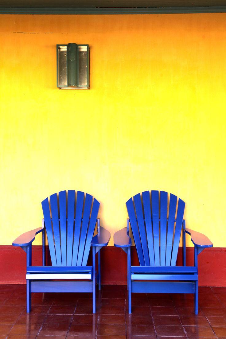 Sillones de colores Camacho. Las Marinas muebles www.lmarinas.com.ar
