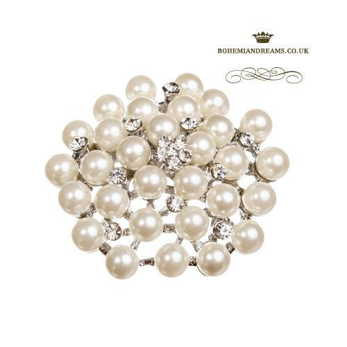 pearls brooch www.bohemiandreams.co.uk