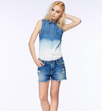 Pepe Jeans mouwloze chambray blouse met bleached dip dye onderzijde- model Brigit - NummerZestien.eu