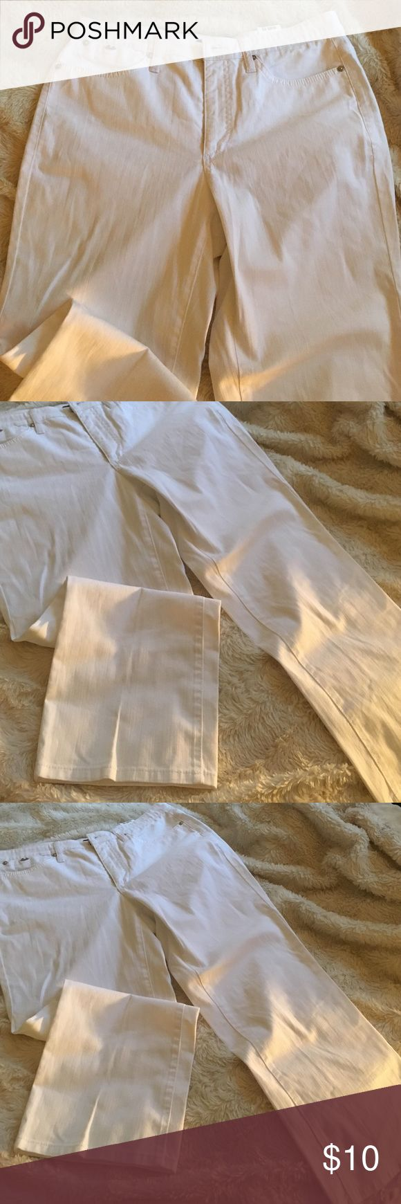 Cambio white crop jeans Bright white and in great condition. Cambio Jeans  Jeans Ankle & Cropped