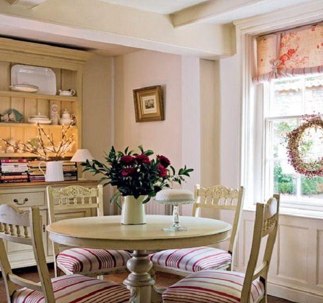 Дизайн, декор интерьера красивой кухни в стиле Прованс на фото: обои, плитка, шторы и аксессуары