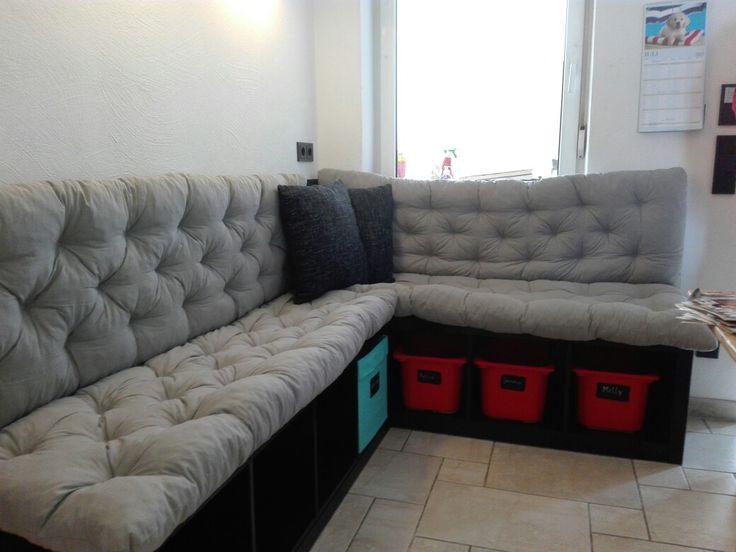 DIY Ikea Regale umgebaut und gestrichen, dazu neue Polster, schon hat man eine coole Eckbank mit viel Stauraum💪
