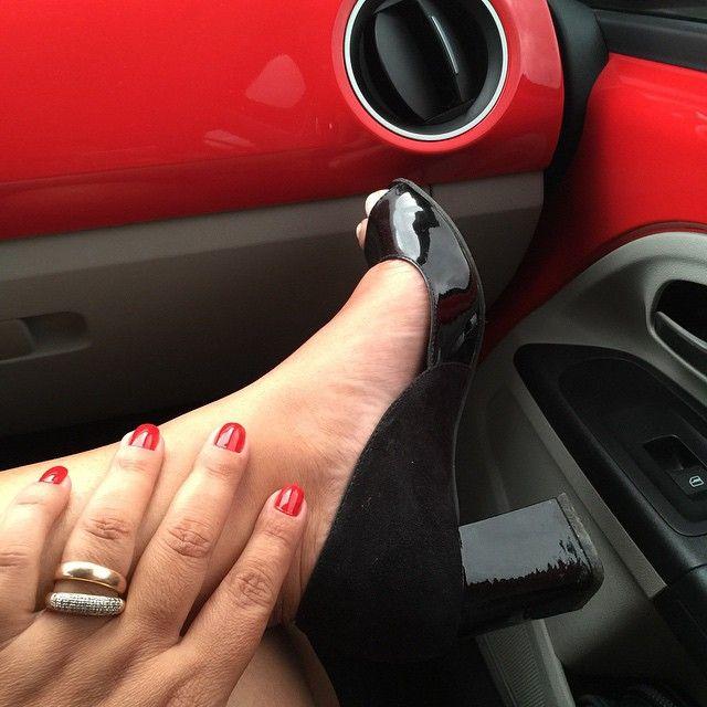 Meu carro é vermelho