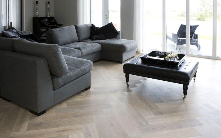 Gerookt wit eiken houten visgraat vloer