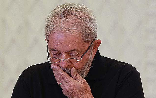 Em manifestação enviada ao STF (Supremo Tribunal Federal), os procuradores da força-tarefa da Lava Jato dizem que uma avaliação prévia das provas indica a suspeita de que um apartamento e um sítio ligados ao ex-presidente Luiz Inácio Lula da Silva podem ter relação com lavagem de dinheiro.