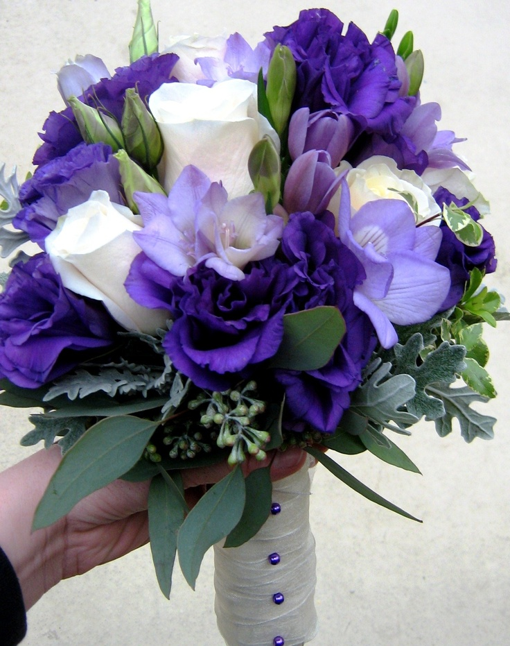 Bridal Bouquet with cream import roses and white freesia and lisianthusBridal Bouquets, Lisianthus, Medley Bouquets, White Freesia, Important Rose