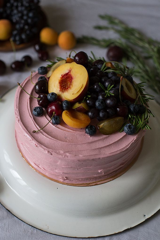 Birthday Cherry-Chocolate Cake with Fruits. This recipe is not even in English alphabet but if it is dark chocolate inside it looks amazing!