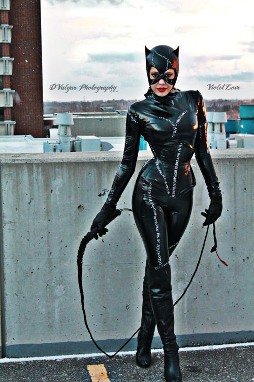 """CATWOMAN REPLICA COSTUME Michelle Pfeiffer ~ Batman Returns ~ THIS FULL COSTUME IS CUSTOM MADE TO FIT YOU!!! PLEASE READ FULL DESCRIPTION BEFORE MAKING PURCHASE!!! This replica costume consists of: • Full body suit with hidden zipper approximately. 22"""" down back • Waist cincher corset."""