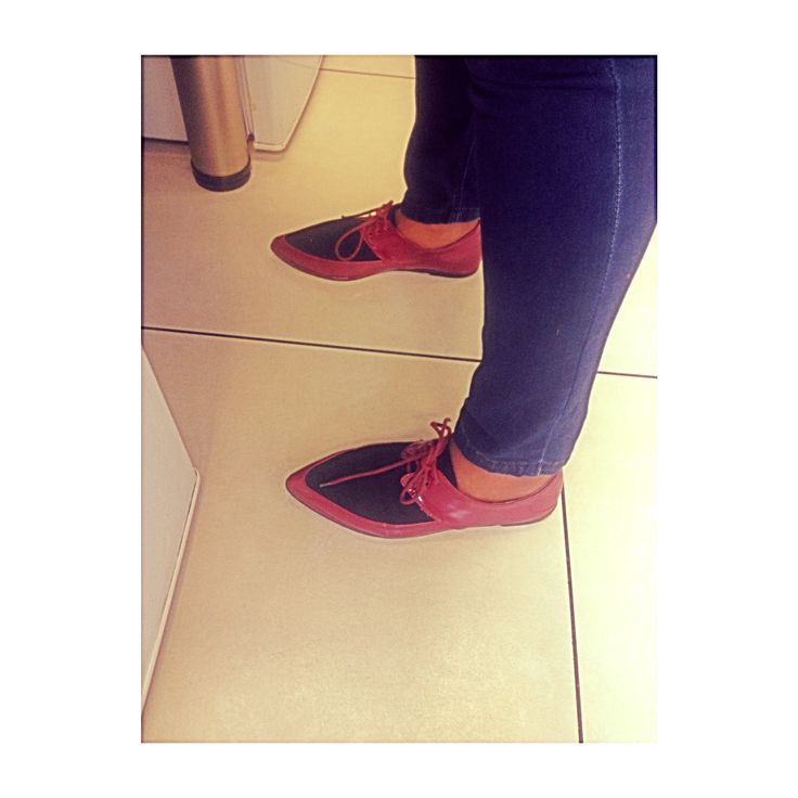 My colleague Lynn rocked these beautiful red and black, pointed-toe men inspired shoe; with her casual jean to Jean outfit. She was ready to take on the day  #SouthAfricanChic  #SouthAfricanStyle