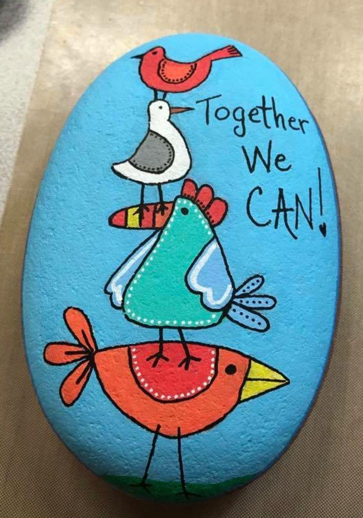 Zusammen können wir. Lieben Sie das Gefühl auf diesem gemalten Felsen. Wäre schön in einem