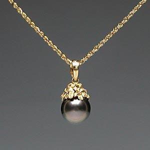 Hawaiian jewellery, Plumeria flower and Tahitian pearl pendant, solid 14k gold  $349   #Tahitian #pearl #gold