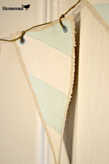 Hand painted canvas pennants/banner http://www.homeroad.net/2013/07/hand-painted-pennants.html
