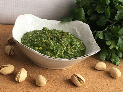Kuchcik gotuje: Pesto z pietruszki - http://www.kuchcikgotuje.pl/