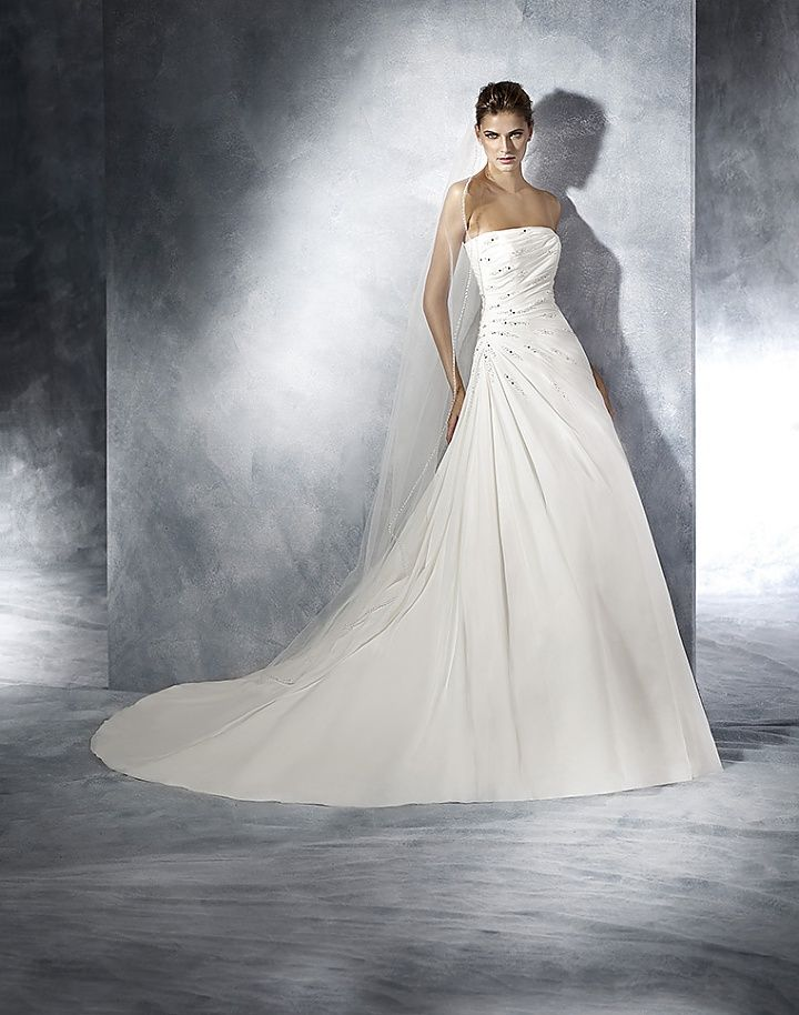 White One (by Pronovias) Teresa - Koonings Bruid & Bruidegom