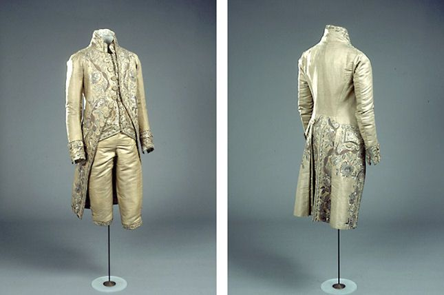 Mens suit in golden fabric with silver embroidery