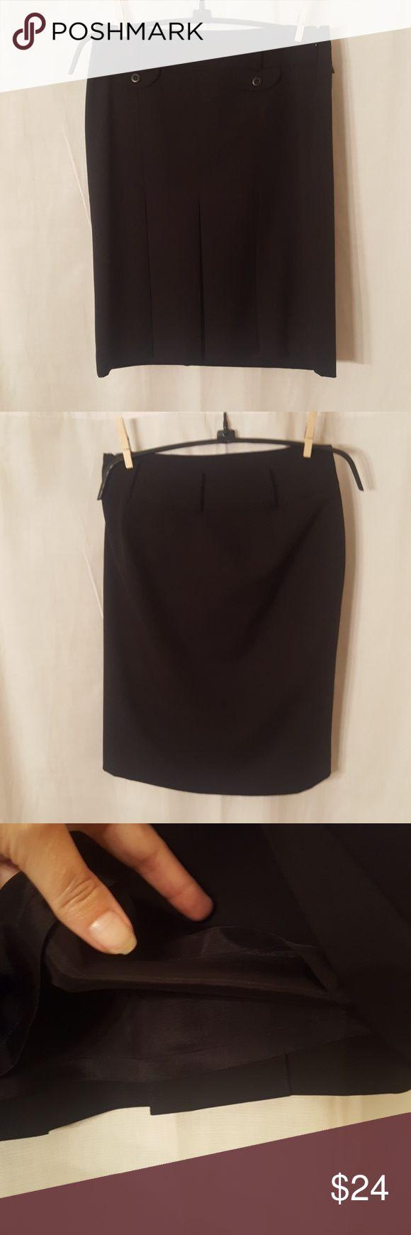 Anne Taylor LOFT Pencil Skirt Ann Taylor LOFT Pencil skirt  Side zipper  20 1/2 inches long Inside lining Great condition LOFT Skirts Pencil