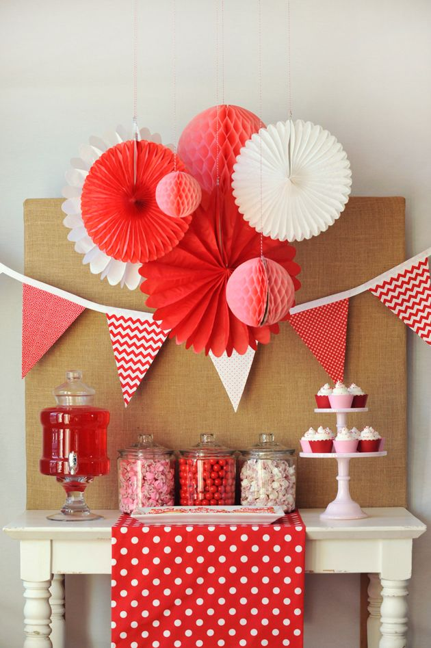 "Roses are red, violets are blue, we LOVE our ""Be My Valentine"" party and hope you do too! Valentine's day party desert table on the Tiny Prints blog."