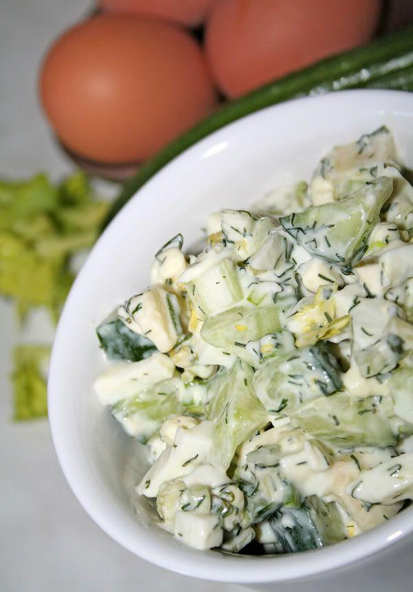 Вот как меня сегодня на салаты пробило - второй рецепт за день :)) Этот салат очень любит моя дочь :). Готовится он быстро, да и привносит ...