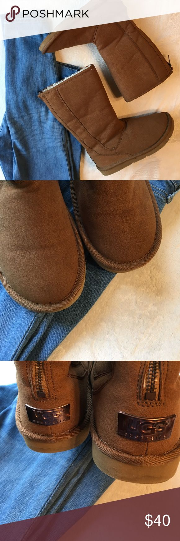 Uggs Size 7 Ugg Australia Size 7 Women's UGG Shoes Slippers
