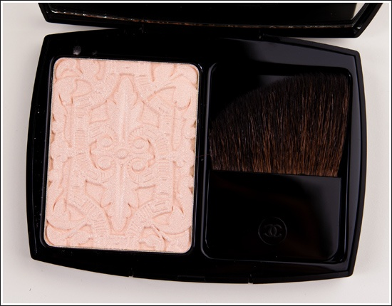 Chanel Lumiere Sculptee de Chanel Highlighting Powder Review, Photos, Swatches