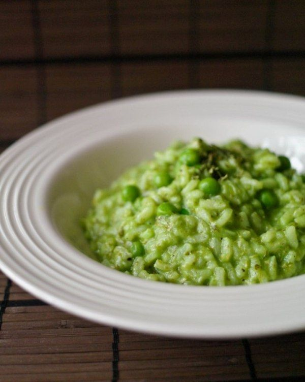 Pesto and pea risotto (use brown rice...just cook it for 10 or 15 minutes on its own before adding it to the recipe): Side, Food, Hot, Gluten Free, Favorite Recipes, Peas, Free Recipes