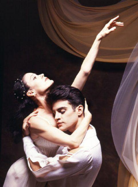 Karen Kain and Rex Harrington in Romeo and Juliet.
