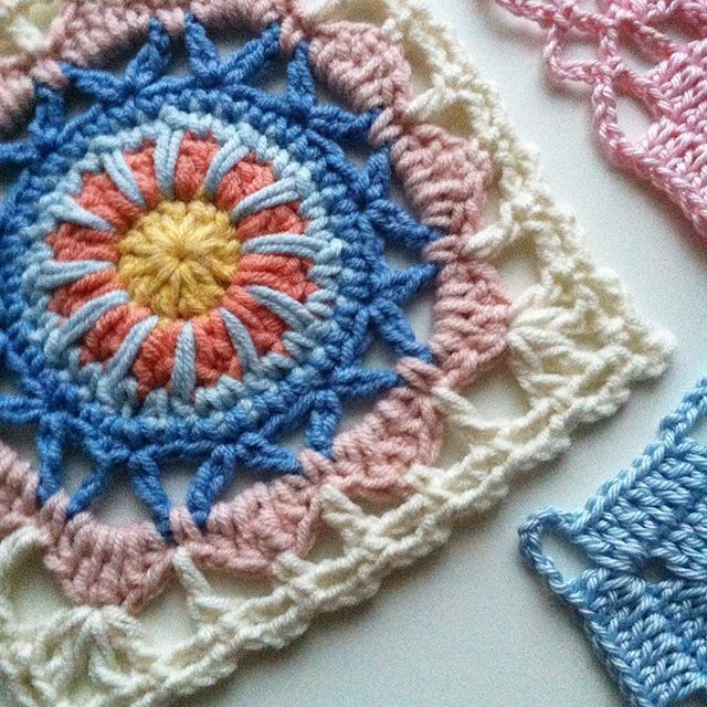 Thank you @yulinilssen for beautiful pattern #mahalamandala  hook/tığ 3mm yarn/ip#yarnartjeans #crochetconcupiscence#crochet#crocheting#crochetaddict#crochetersofinstagram#grannysquares#makeitsewcial#moodblanket2016