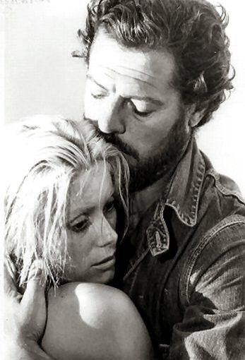 Marcello Mastroianni and  Catherine Deneuve - .La cagna (Liza) directed by Marco Ferreri - 1972