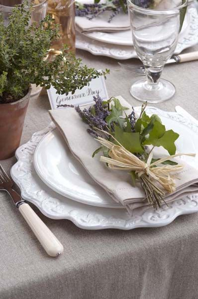 Summer Table Settings - Lavender & Raffia