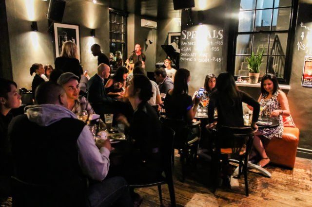 Date Night at The Piano Bar in Cape Town | Monday Dinner Specials City Centre, Dating Ideas, Cape Town 05-October-2015