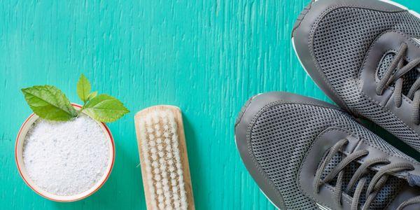 Come Eliminare Il Cattivo Odore Dalle Scarpe Fatto In Casa Da Benedetta Scarpe Fatte In Casa Scarpe Cattivo