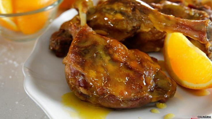 Receita de Pernas de pato com molho de laranja. Descubra como cozinhar Pernas de pato com molho de laranja de maneira prática e deliciosa!
